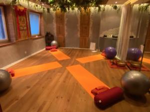 Soirée Yoga Féminité – Mardi 20 octobre et Vendredi 23 octobre de 19h30 à 22h30
